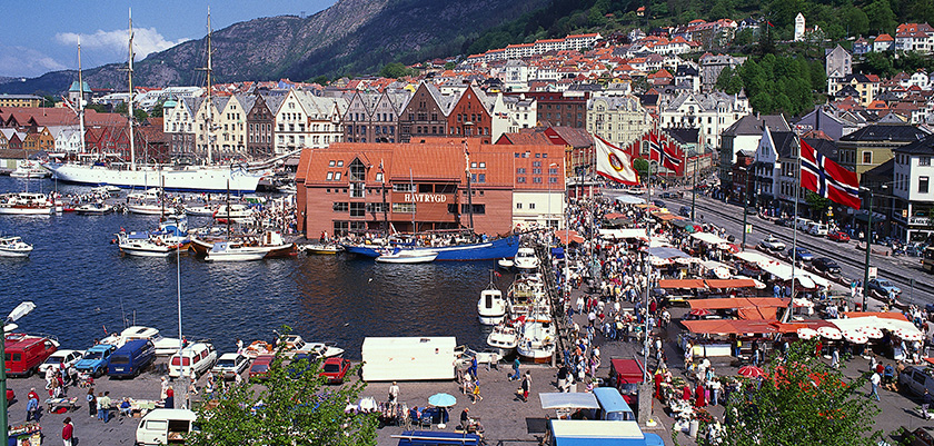 Bergen-centre-and-harbour.jpg